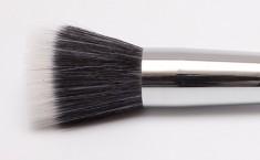 Кисть для нанесения жидкого тонального крема MAKE-UP-SECRET 710 дуо-фибра (коза+нейлон)