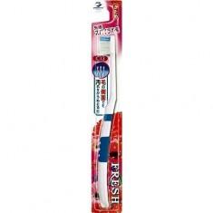 Зубная щетка с компактной головкой со спиральными щетинками жесткая Dentalpro Fresh