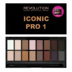 Палетка теней MakeUp Revolution Iconic Pro 1